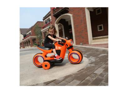 kinderen elektrische voertuig