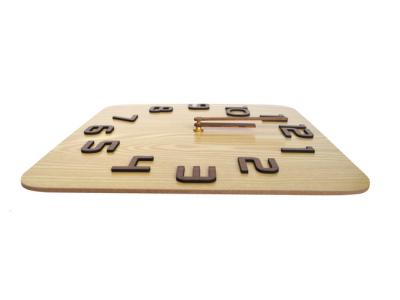 houten klok vierkant