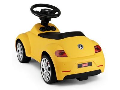 loopauto volkswagen geel beetle
